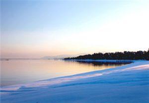 琵琶湖の雪景色